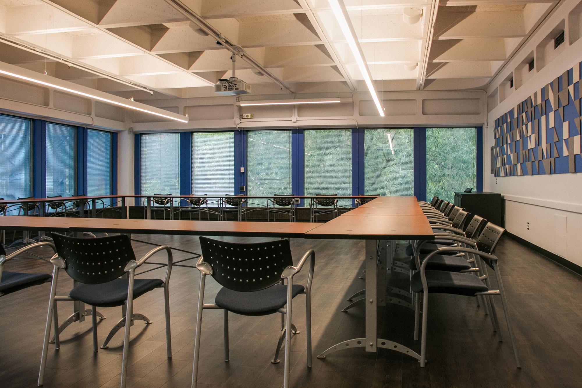 Classroom Layouts ~ Lev bukhman room students society of mcgill