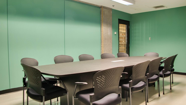 Green Room (3)