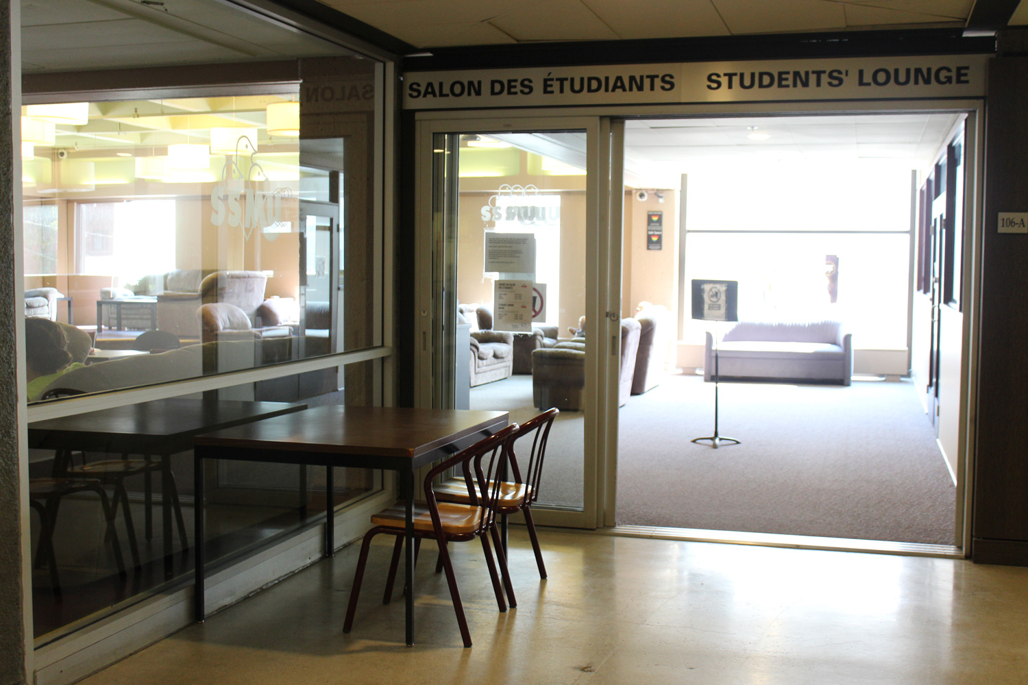 Table-1st-floor-student-lounge